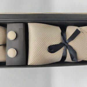 Conjunto corbata, pañuelo y gemelo