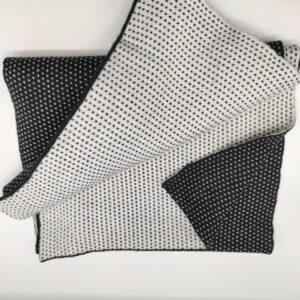 Bufanda de chico en blanco y negro