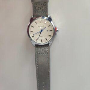 Reloj grande de hombre color gris