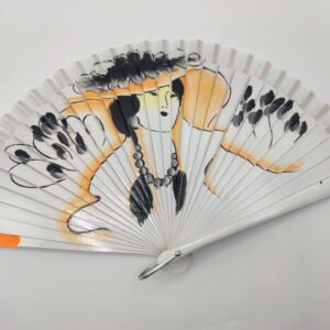 Abanico blanco pintado con naranja y negro